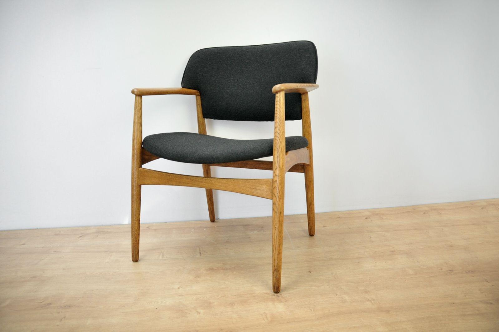 vintage-armchair-1205-in-oak-by-a-b-madsen-larsen-for-fritz-hansen1