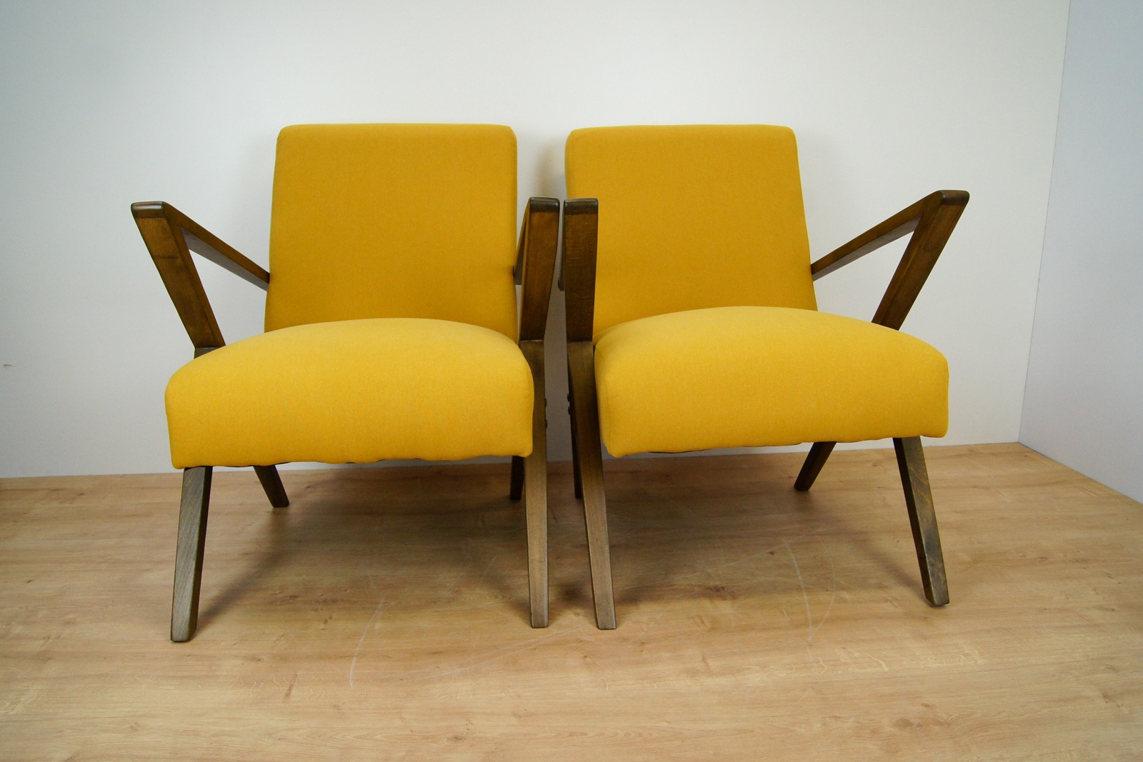 vintage-pair-of-polish-armchairs-from-bydgoszcz-cooperative-odnowa-1970s
